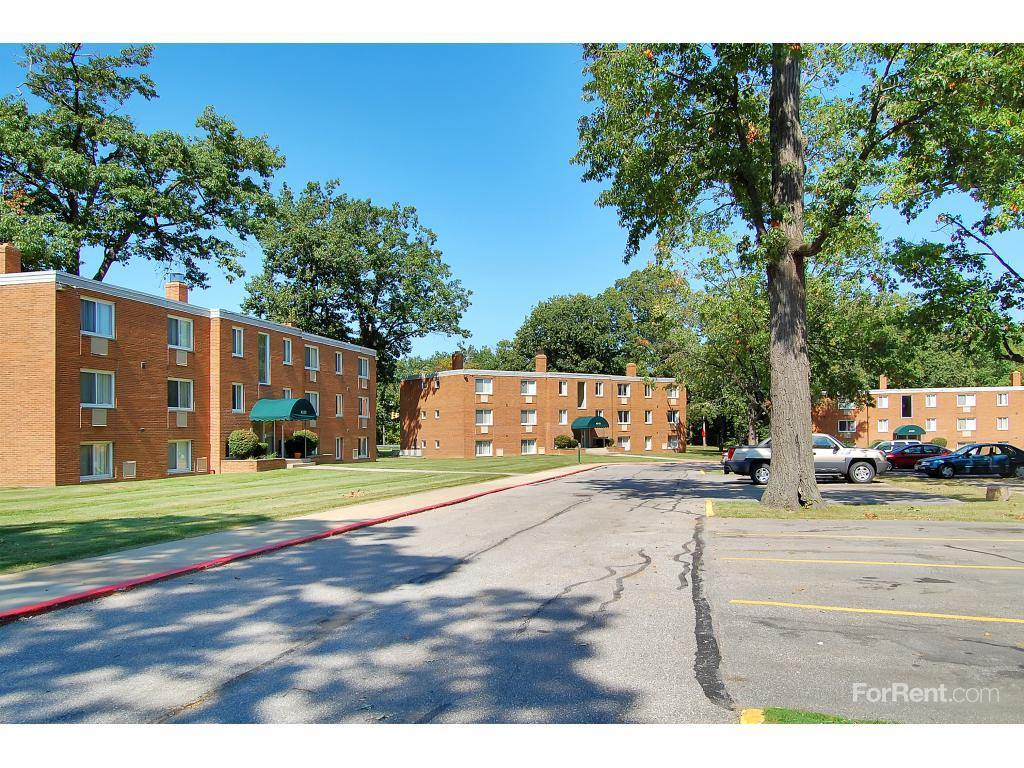 Brookside Oval Apartments photo #1