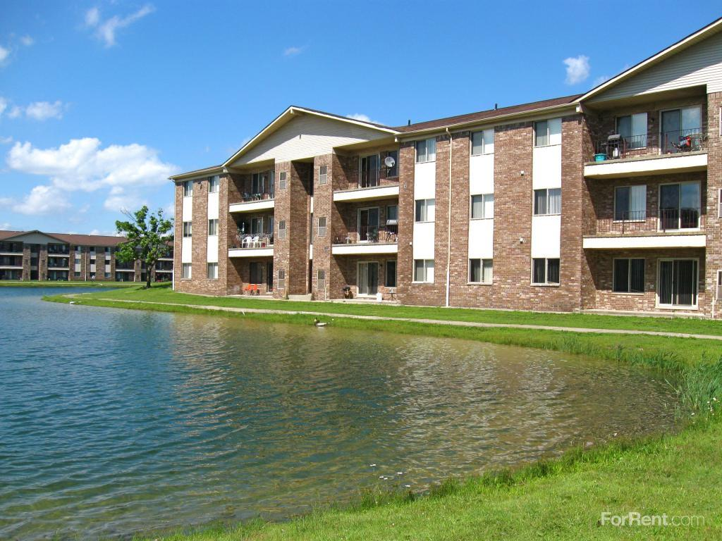 Crystal Lake Apartments Shelby Township Mi