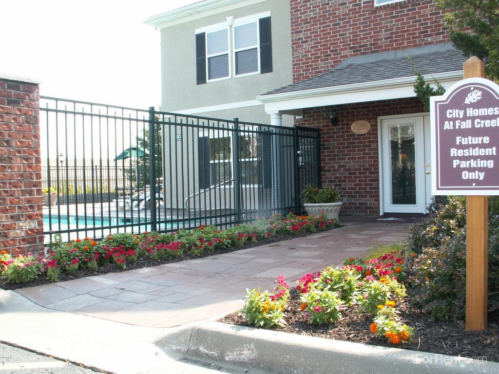 City Homes at Fall Creek Apartments photo #1