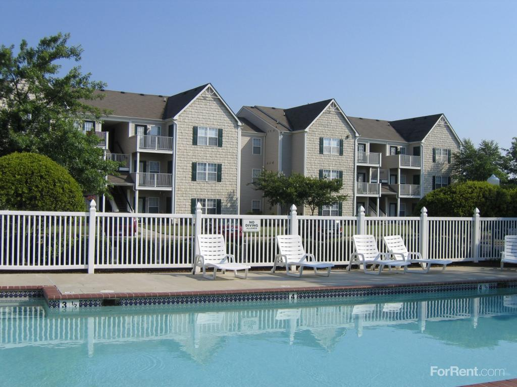 Taylor Pointe Apartments photo #1