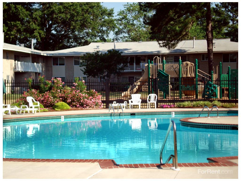 Pembroke Town Center Apartment Homes Apartments photo #1