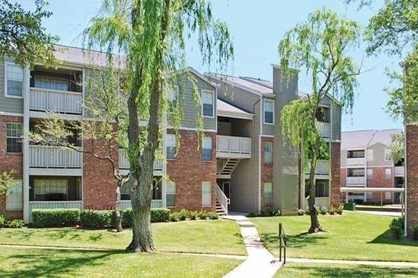 Wimbledon Oaks - Aspen Apartments photo #1