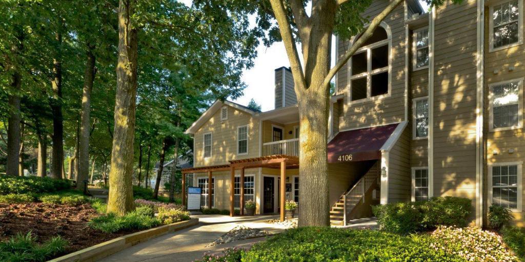 The Windsor at Fair Lakes Apartments photo #1