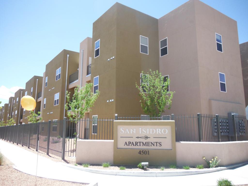 San Isidro Apartments photo #1