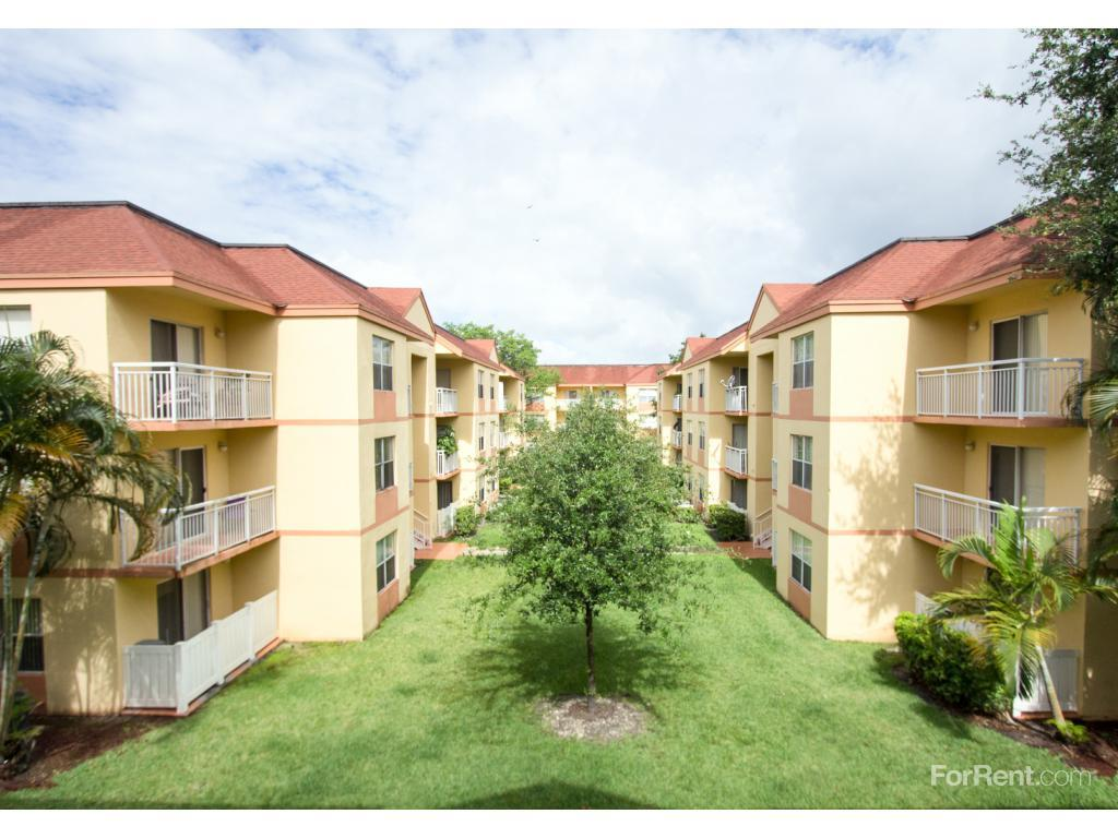 palm gardens apartments photo 1 - Palm Garden Apartments