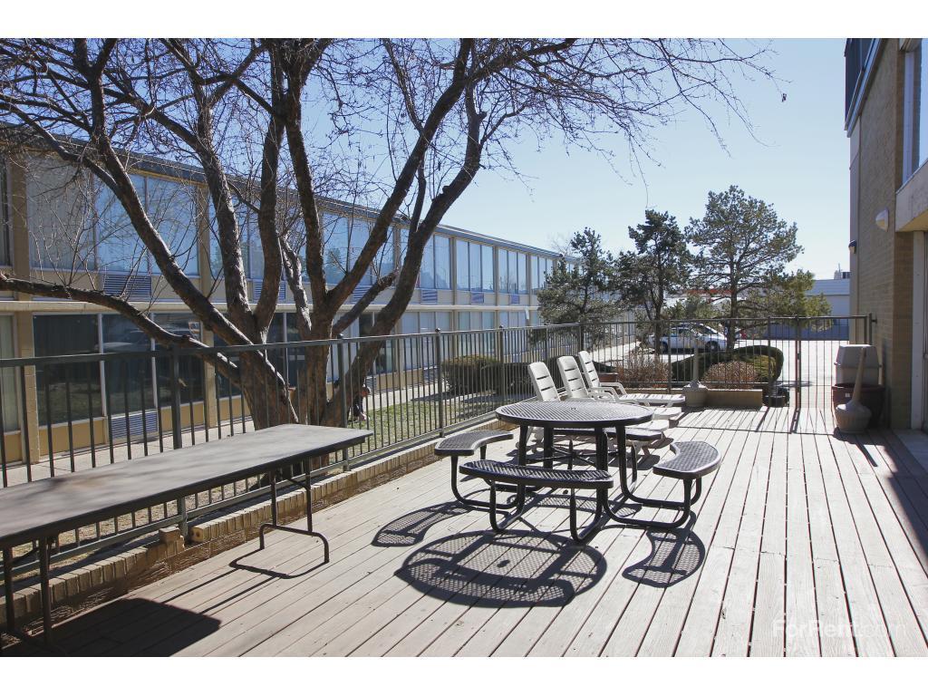 Fillmore Crossing Apartments And Efficiencies Colorado