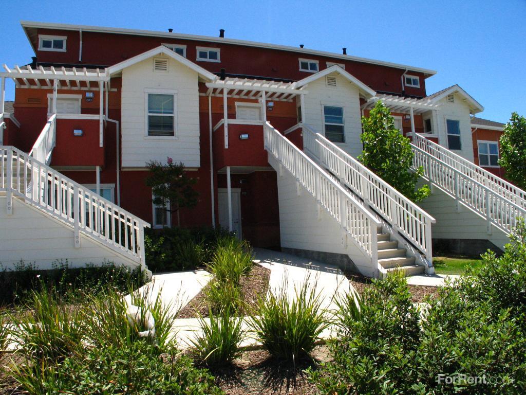 205 Pueblo Ave. Apartments photo #1