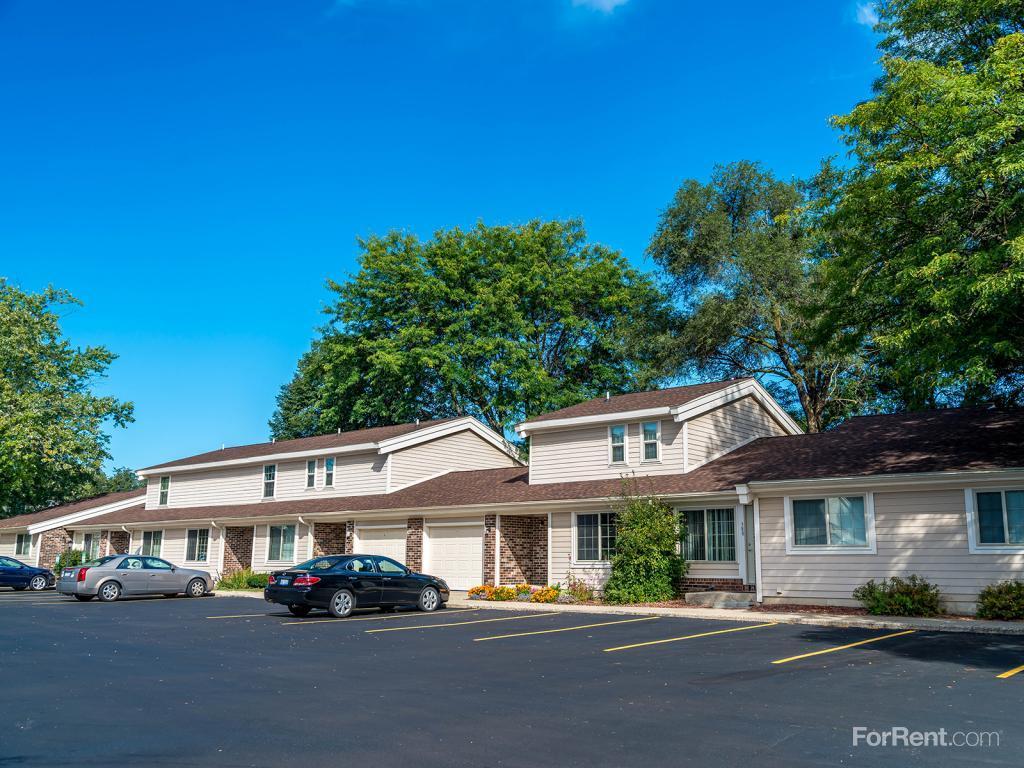 Autumn Ridge Townhomes & Apartments photo #1
