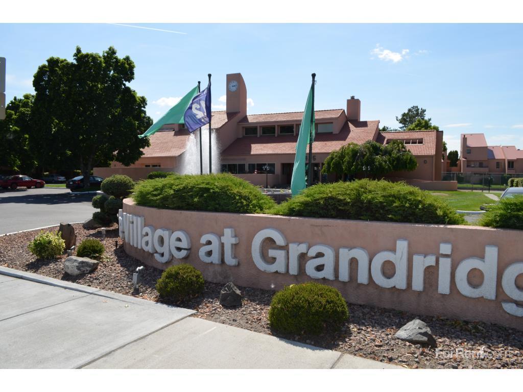 Village At Grandridge Apartments