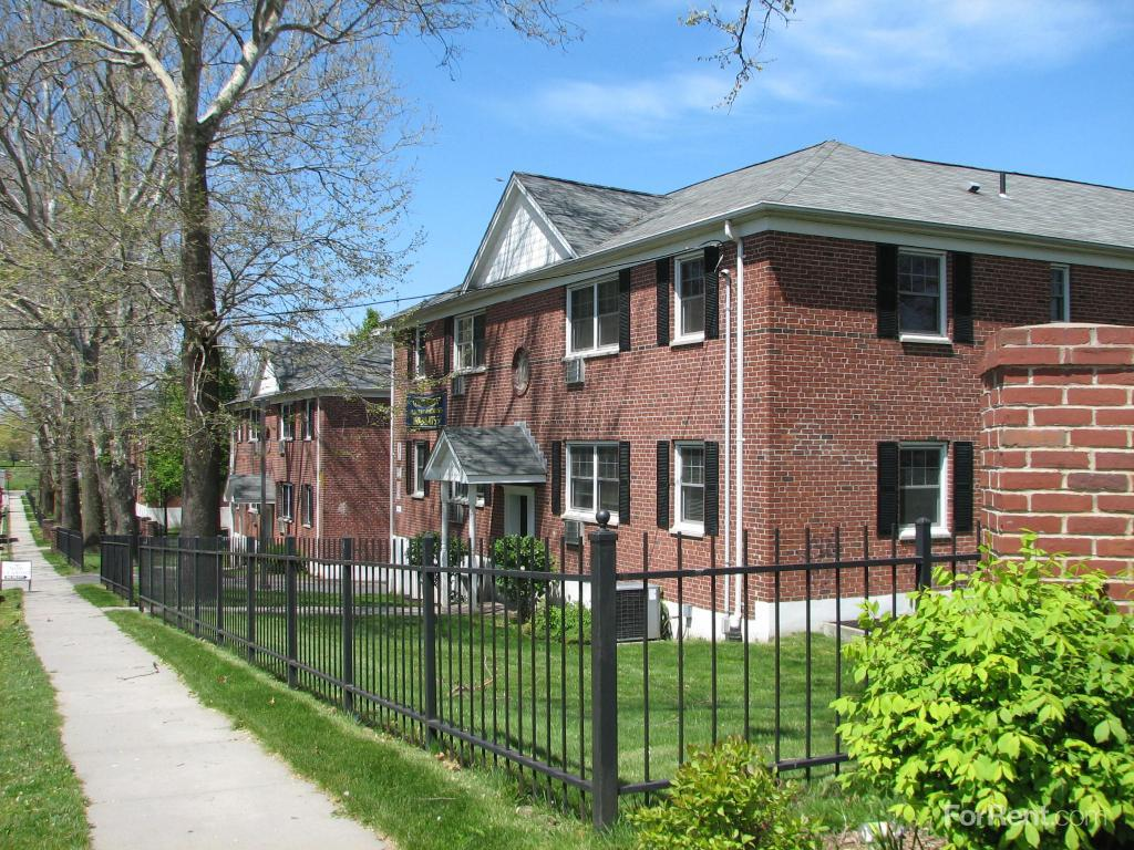 Dillon Place Apartments Hartford Ct