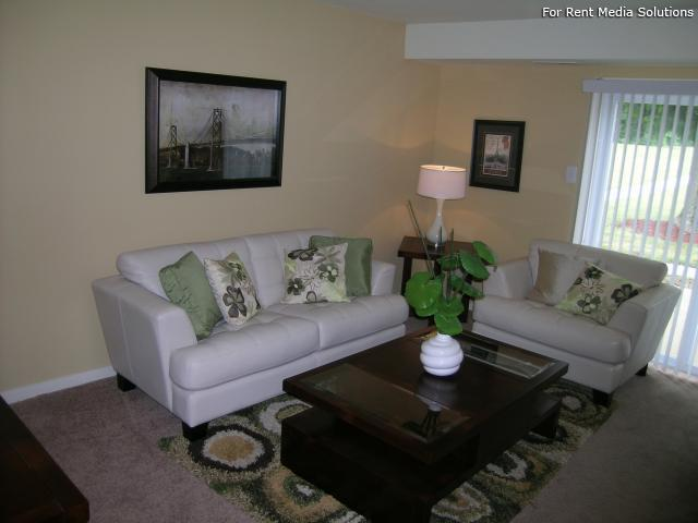 Crystal Lakes Townhomes Apartments photo #1