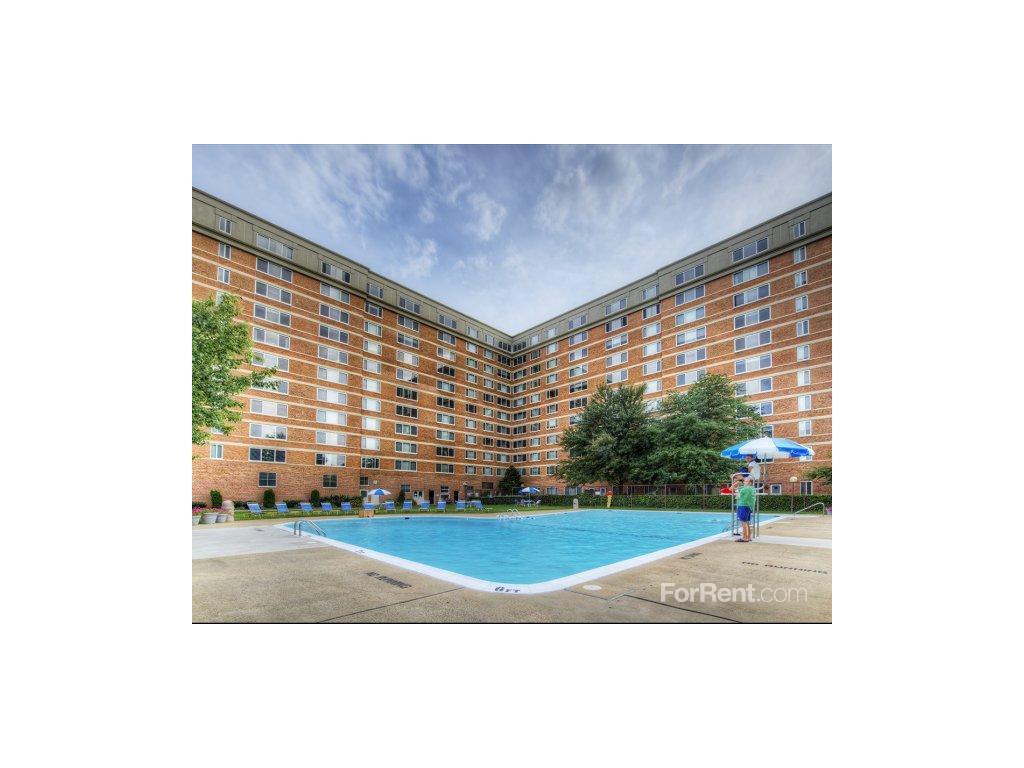 Potomac Towers Apartments photo #1
