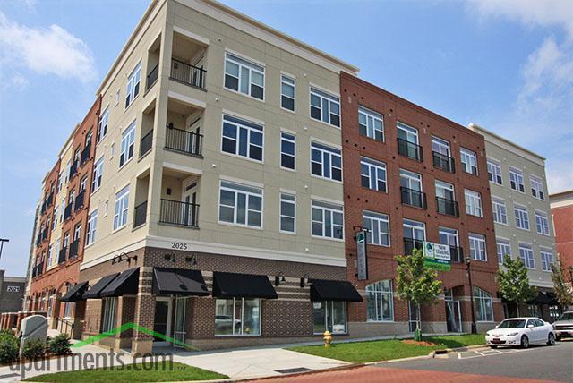 The Lofts at Charleston Row Apartments photo #1