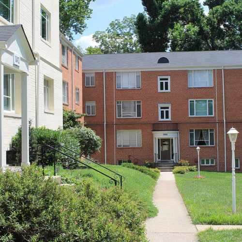 photo of Parkside Condominium at 10520 Montrose Avenue Bethesda MD 20814