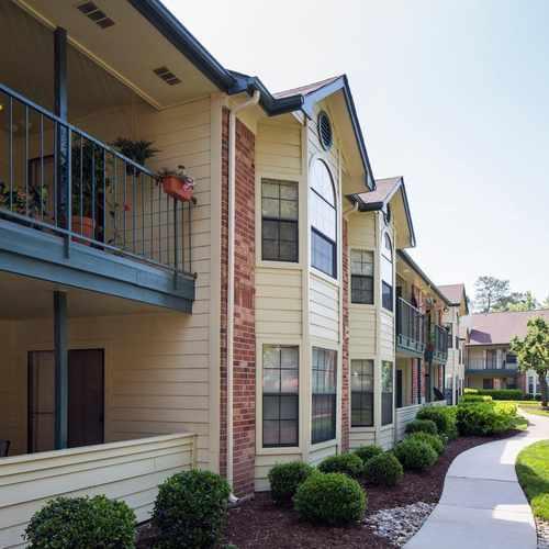 photo of Chesapeake Bay Apartments at 550 Saint Michaels Way Newport News VA 23606