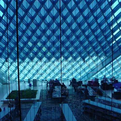 photo of Seattle Central Library at 1000 4th Avenue Seattle WA 98121