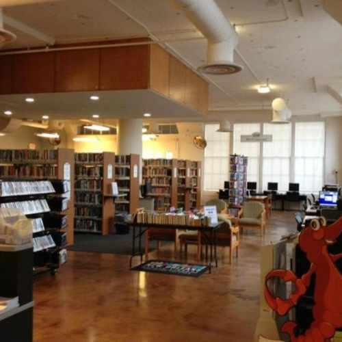 photo of Mid-City Public Library at 3700 Orleans Avenue New Orleans LA 70119