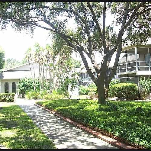 photo of Regency Apartments at 140 Glendale Street Lakeland FL 33803