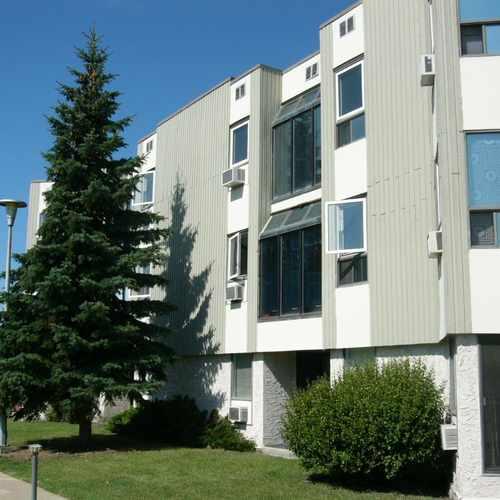 photo of Windsor Estates at 18175 96 Avenue Northwest Edmonton AB Canada