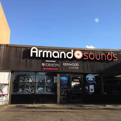 photo of Armando Sound at 2959 West Lawrence Avenue Chicago IL 60625