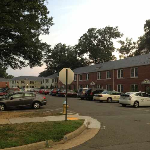 photo of Gates of Ballston Community Center at 4108 4th Street North Arlington VA 22203