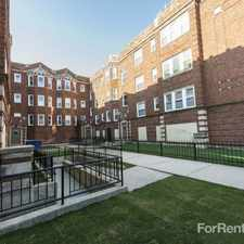 Rental info for 4815 W Monroe Street Apartments in the Chicago area