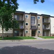 Rental info for Elmwood Apartments 924 17th Ave SE in the Minneapolis area