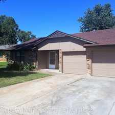 Rental info for 401 W Hillcrest Dr in the Mustang area