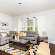 Rental info for 4249 W Addison #1W in the Old Irving Park area