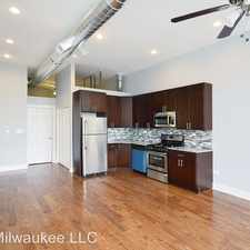 Rental info for 707 N. Milwaukee Ave, in the River West area