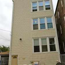Rental info for 837 W. 33rd Place 3R in the Bridgeport area