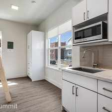 Rental info for 1722 Summit Ave in the Seattle area
