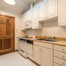 Rental info for 536 N Lincoln Street in the Bloomington area