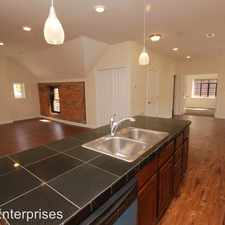 Rental info for 529 E Town St - Carriage House Rear Upper