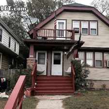 Rental info for $730 2 bedroom House in Milwaukee Downtown in the Avenues West area