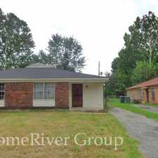 Rental info for 3239 Forest Glen St in the Memphis area