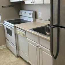 Rental info for 3278 Commonwealth Ave in the Arlandria area