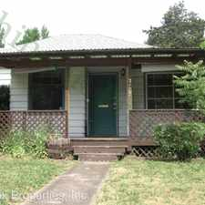 Rental info for 2133 1/2 Kincaid St. in the Eugene area