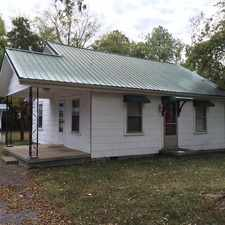 Rental info for Attractive 2 Bed, 1 Bath. Parking Available! in the Murfreesboro area