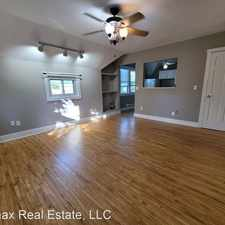 Rental info for 431 Lynnhurst Ave West - 03 in the St. Anthony area