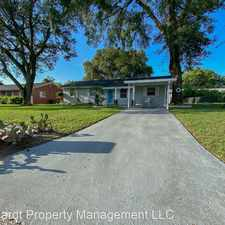 Rental info for 2200 SW 5th Place in the Ocala area