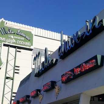 Photo of Mel's Drive-In in Sherman Oaks, Los Angeles