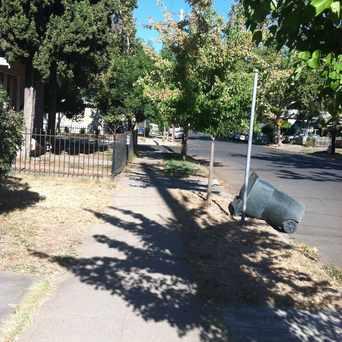 Photo of BROADWAY & SAN JOSE WAY (WB) in North Oak Park, Sacramento