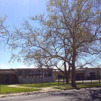 Photo of Tahoe Elementary School in Tahoe Park, Sacramento