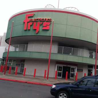 Photo of Fry's Electronics in Wilsonville