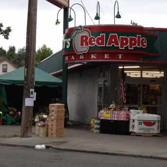 Photo of Bert's Red Apple Market in Madison Park, Seattle