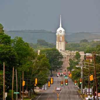 Photo of View from West 7th St towards downtown Columbia, TN in Columbia