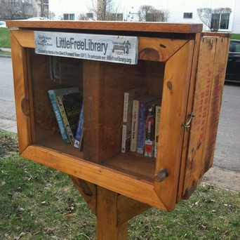 Photo of Little Community Library in Lowry Hill East, Minneapolis