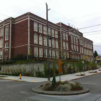 Photo of Hamilton International Middle School in Wallingford, Seattle