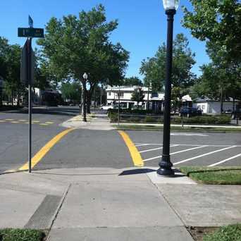 Photo of 2575 33rd St, Sacramento, CA 95817 in North Oak Park, Sacramento